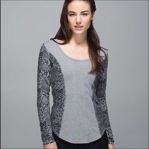 Lululemon Long Sleeve Top in Gray With Black Print